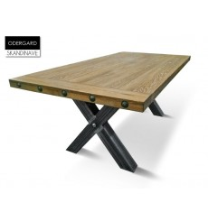 Table à manger en chêne massif ODERGARD